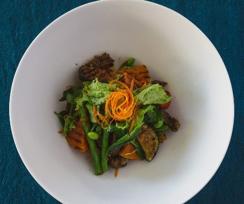 Beef and Grilled Veg Salad w/ Oyster Lime Chili Vinaigrette