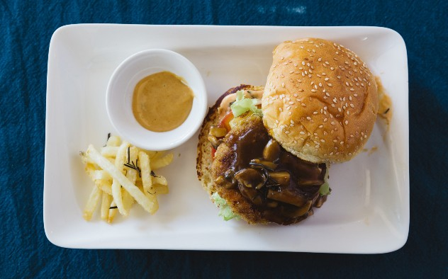 Chicken Prawn Burger MO Sauce